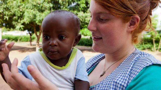 Laura Pracht in der Escolinha in Metarica, Mosambik (Foto: Achim Pohl)